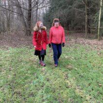 2021_01_01 Neujahrswanderung Fanny und Bianca im Naturschutzgebeit Rohatsch Hohenbocka